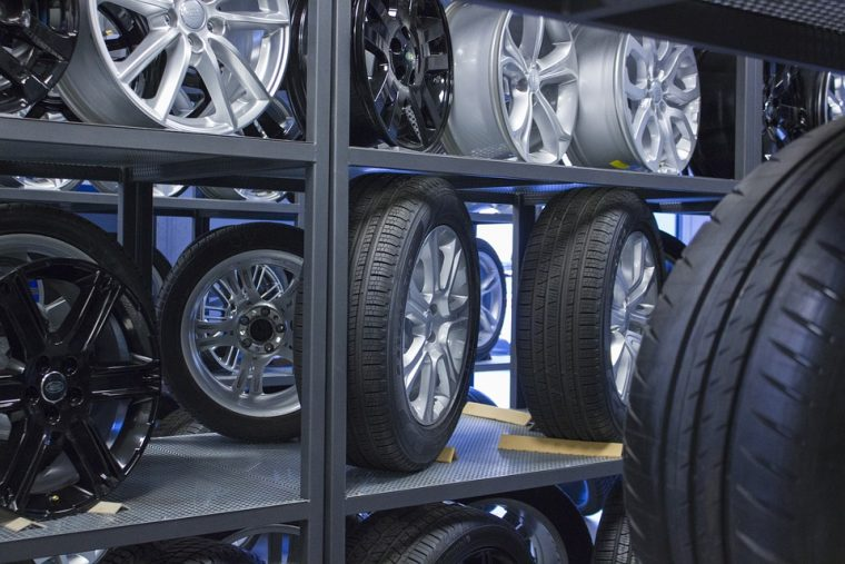 La vérification des pneus