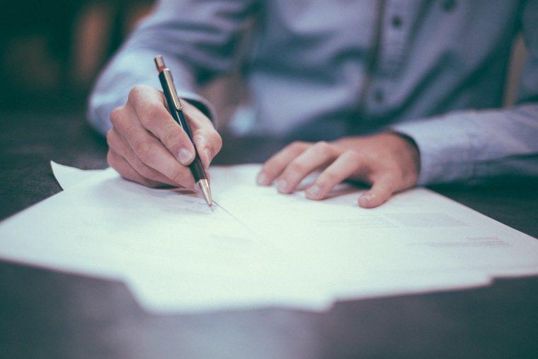 Signature contrat de prêt